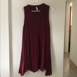 Xhilaration Maroon Lace Short-Sleeve Flowy Dress